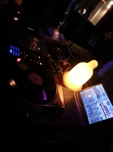 table DJ Fred Guile Berlin Bar 1820