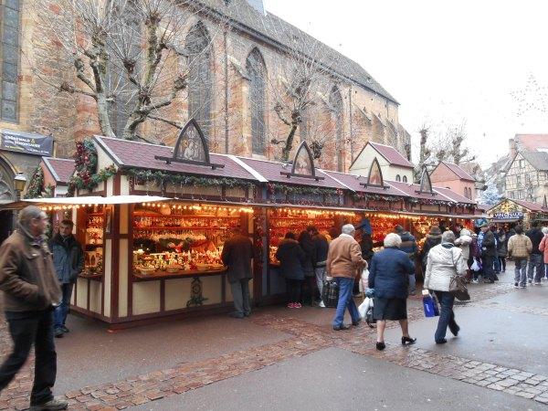 marché noël colmar cathédrale
