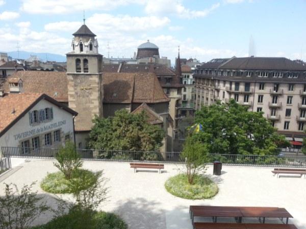 vue genève depuis cathédrale st pierre