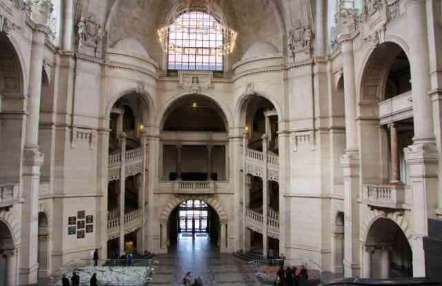 intérieur neues rathaus hanovre